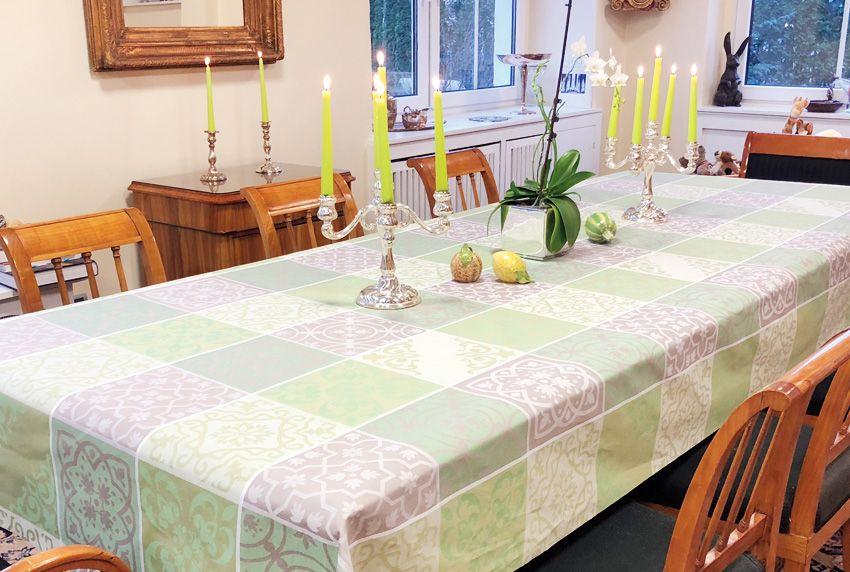 Wachstuch ist an Farbenpracht und Motivvielfalt kaum zu überbieten - dieser Tischbelag ist als passgenaue Tischdecke oder Meterware lieferbar