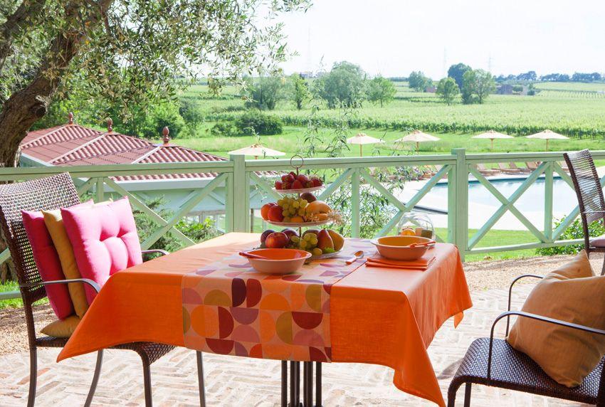 Mut zur Farbe auch bei Tischdecken das sind die neuen Sommerfarben