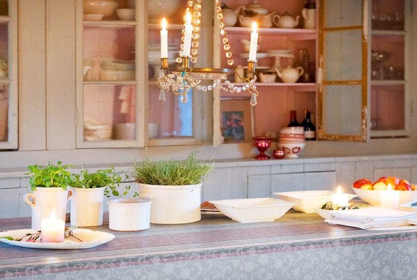 Die exklusive wasserfeste Tischdecke in bester Qualität macht den optischen Unterschied