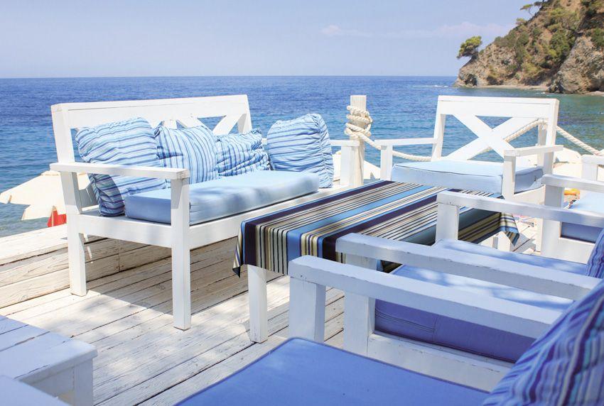Abwaschbare Tischdecken mit modernem Streifenmuster ideal für die Außenterrasse