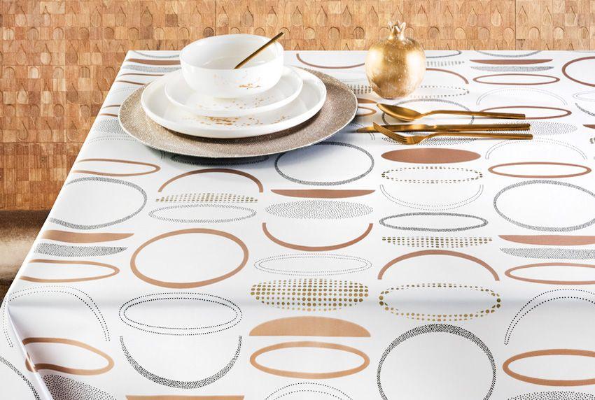 Einfach schick - Abwaschbare Tischdecken kombiniert mit edlen geometrischen Musterdrucken