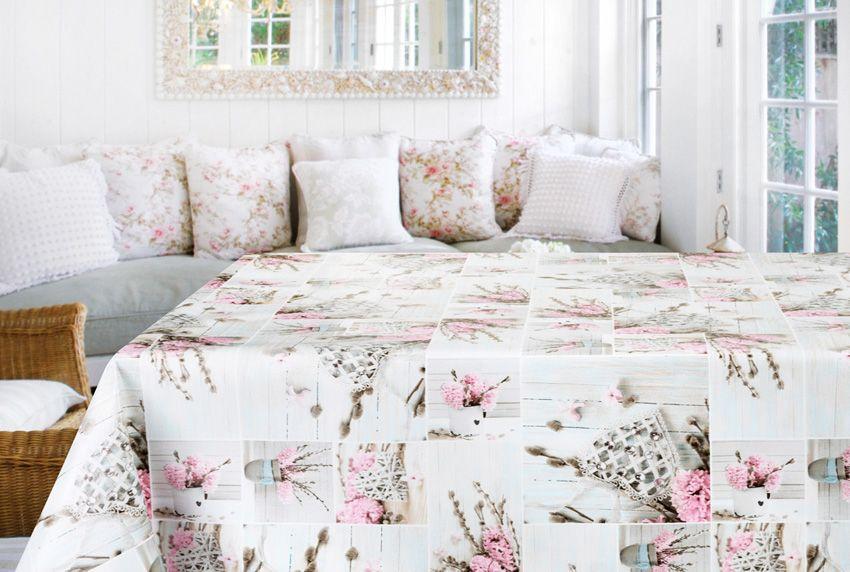 Stoffe - Tischdecken und Kissen in passenden Farben - Motiven und Mustern sorgen für eine harmonische Gesamtoptik