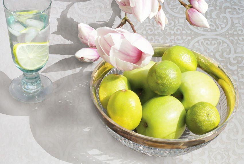 Helle Tischdecken mit und ohne Muster gehören auch heute noch zu den beliebtesten Tischwäsche-Varianten in der Gastronomie und im privaten Bereich