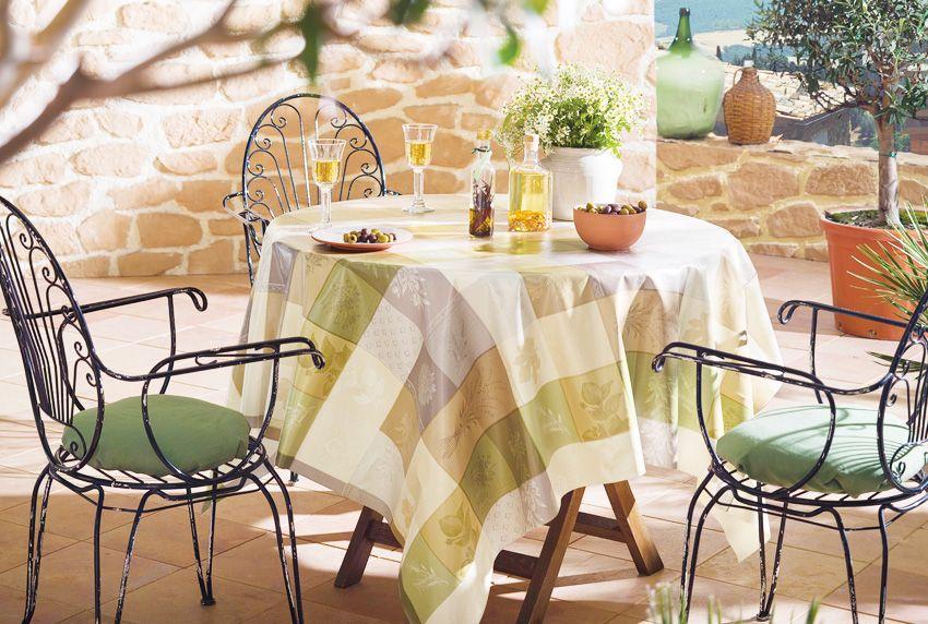 Nicht nur Privatpersonen sondern auch Event- und Gastronomieausstatter entscheiden sich immer öfter für beschichtete Baumwoll-Tischdecken
