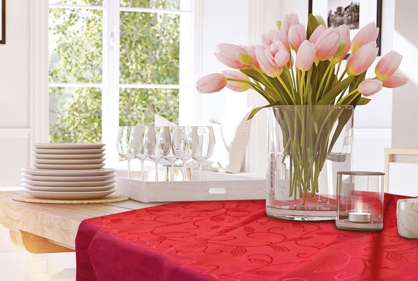 Edle Tischwäschen aus ausgewählten Luxus-Stoffen mit pflegeleichten Eigenschaften sind die Grundlage eines jeden geschmackvoll gedeckten Tisches